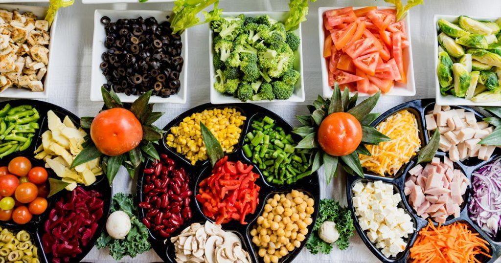 Verschiedene Gemüsesorten für optimale Sixpack-Ernährung.